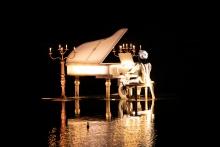 Piano en situation au Puy du Fou