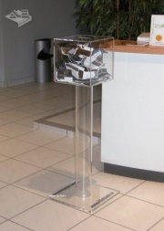urne en plexiglas