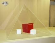 pyramides-4-faces-plexiglass